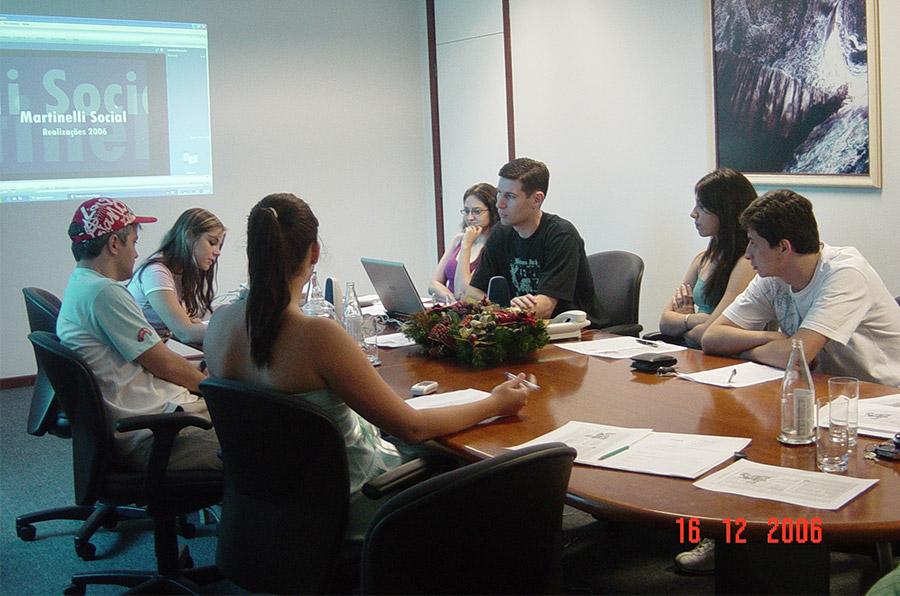 2006 Criada a Comissão Martinelli Social